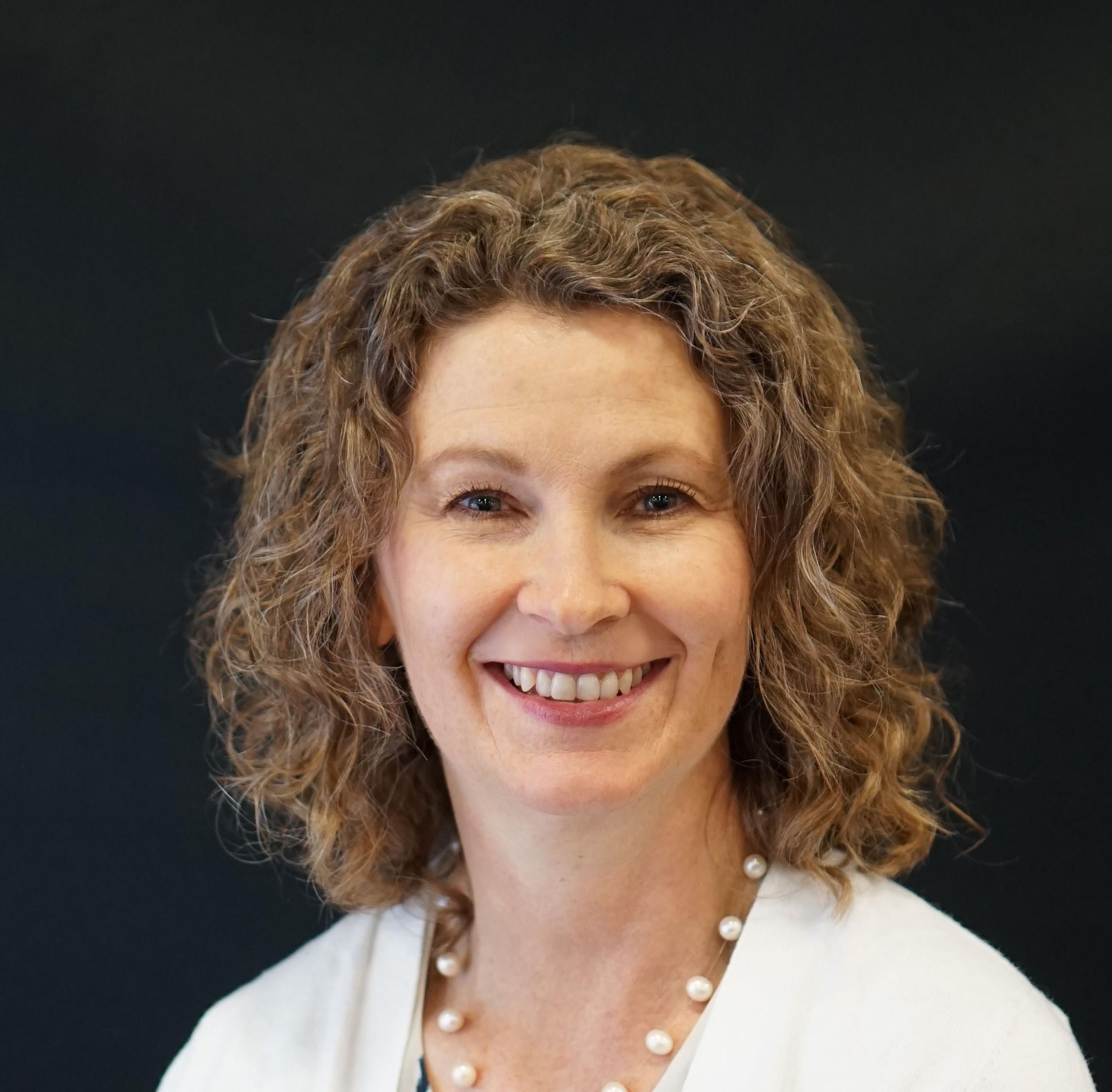 Diana Elder, AG